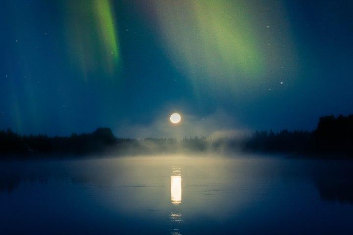 Ilta taivaanvalojen alla